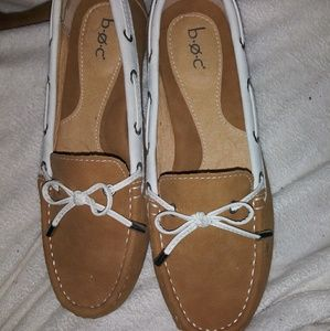 NWOT b. o. c loafers